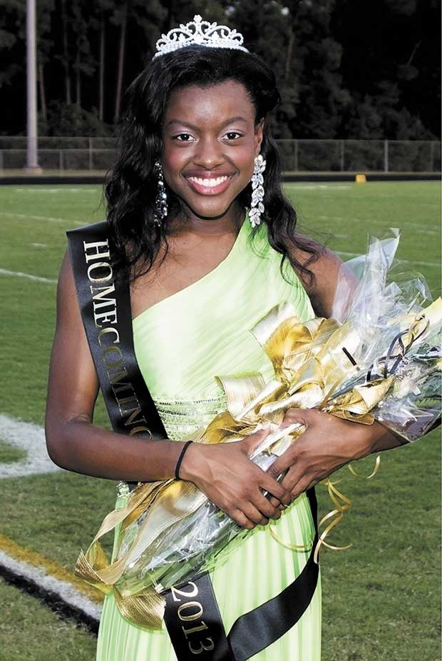 Dorian Maloy crowned Woodville HS Queen